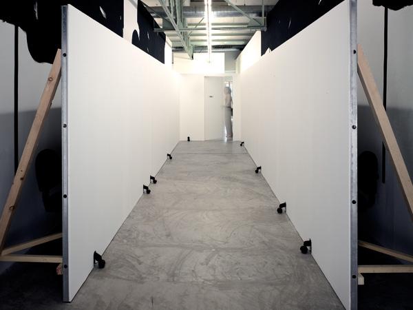 Olivier Nottellet, vue de l'exposition Faites peur, S�te, 2006
