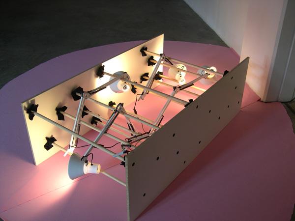 Vue de l'exposition Le ring des rouleaux, 2006