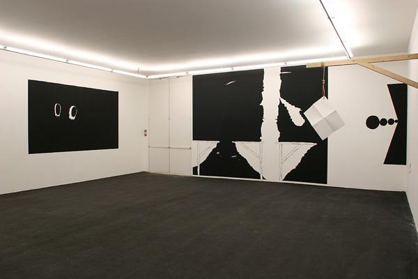 Vue de l'exposition Trait d'union, Sète, 2005
