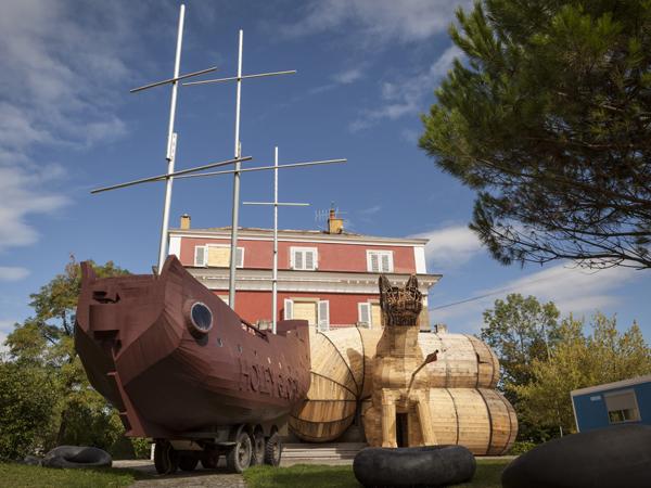 Vue de l'exposition <i>Le Trou</i>, Villa Bernasconi, Genève, 2012<br/>1/10