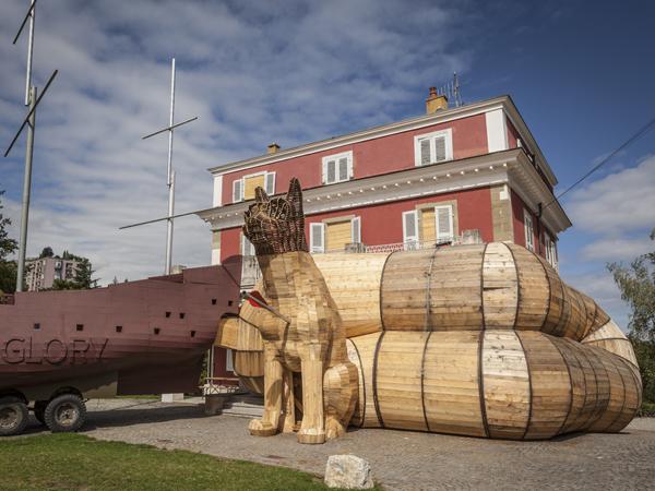 Vue de l'exposition <i>Le Trou</i>, Villa Bernasconi, Genève, 2012<br/>2/10