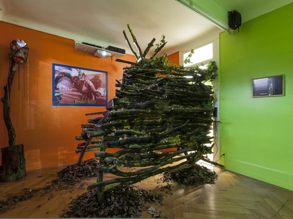 Vue de l'exposition <i>Le Trou</i>, Villa Bernasconi, Genève, 2012<br/>14/19 - Photo : © Dylan Perrenoud