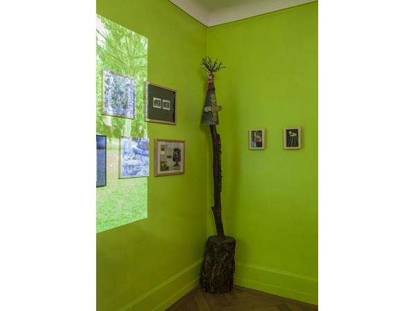 Vue de l'exposition <i>Le Trou</i>, Villa Bernasconi, Genève, 2012<br/>15/19 - Photo : © Dylan Perrenoud