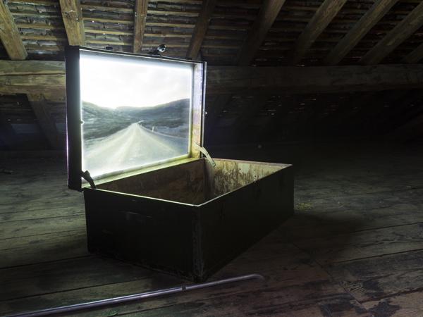 Vue de l'exposition <i>Le Trou</i>, Villa Bernasconi, Genève, 2012<br/>18/19 - Photo : © Dylan Perrenoud