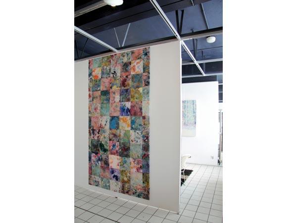 Peintures diverses sur morceaux de tissus, fils et couture, 143 x 260 cm</br>17/19