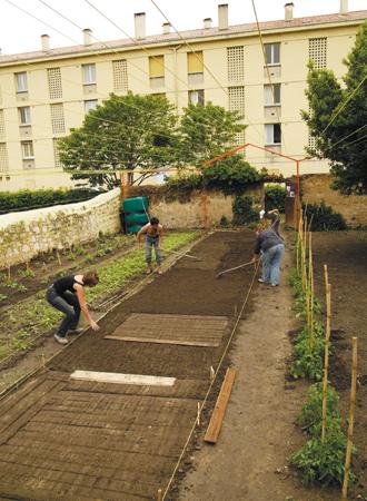 Documents d 39 artistes auvergne rh ne alpes documentation for Creuser puit jardin