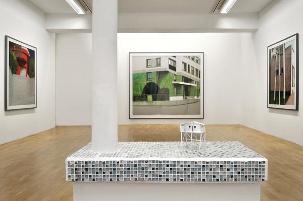 <i>Sans titre (instantané)</i>, bois et plâtre peints, 30 x 35 x 10 cm, 2014