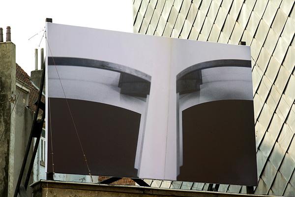 <i>Dérivée</i>, impression sur bâche, 244 x 366 cm