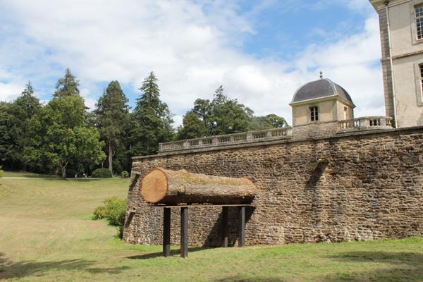 Acier, chêne (déraciné dans le parc du domaine par la tempête durant l'hiver 2013/2014), 5,50 x 3,20 x 1,20 m