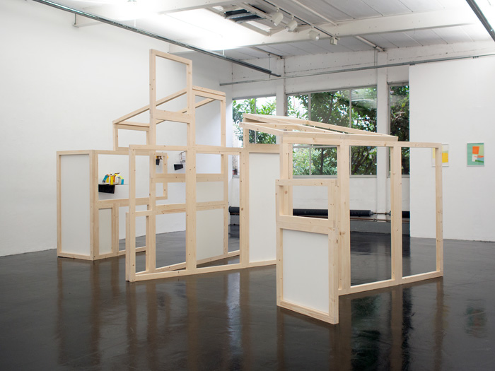 <i>Pli/Dépli AusstellungsHalle</i>, Installation bois, 2,86 x 10 x 5 m, 2017